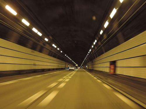 500トンネルと科学への信頼2