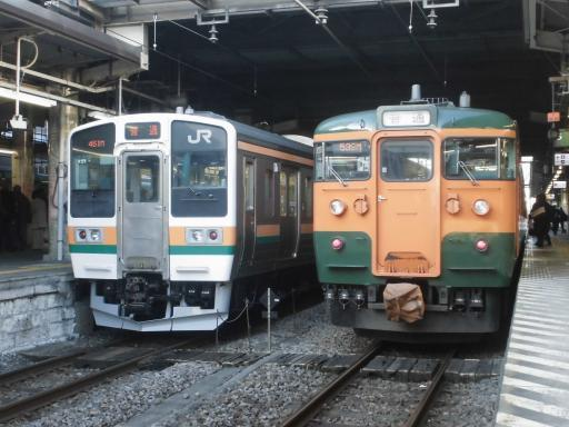 211系と115系