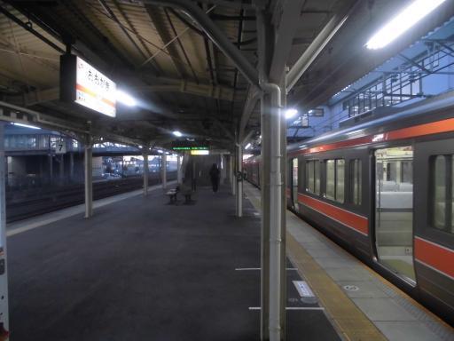 朝の大垣駅