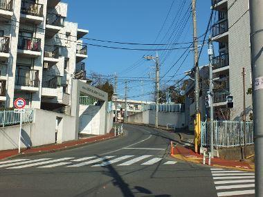 10稲荷坂通り急坂0104