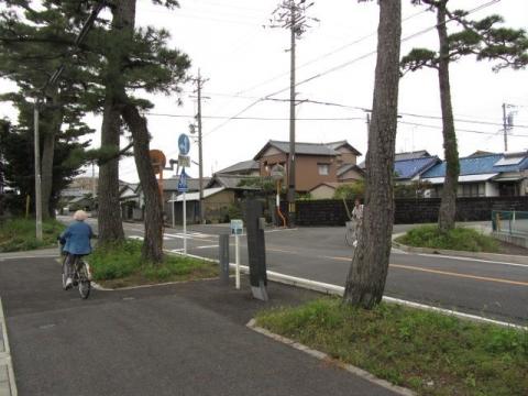 上青島一里塚跡