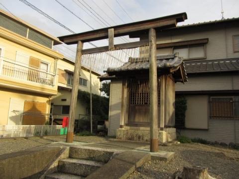 南新屋の津島神社