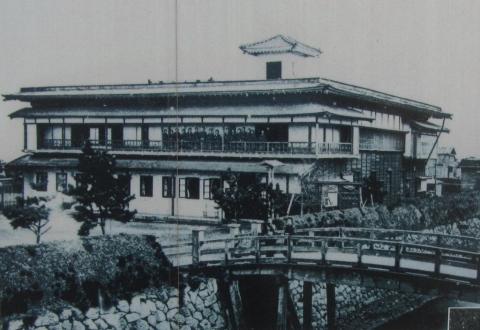 明治11年開設女紅場(旧高田屋屋敷)