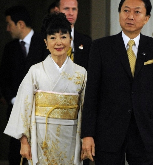 kimono996790e2161bb1cf59bc56a9fdbbeed2.jpg