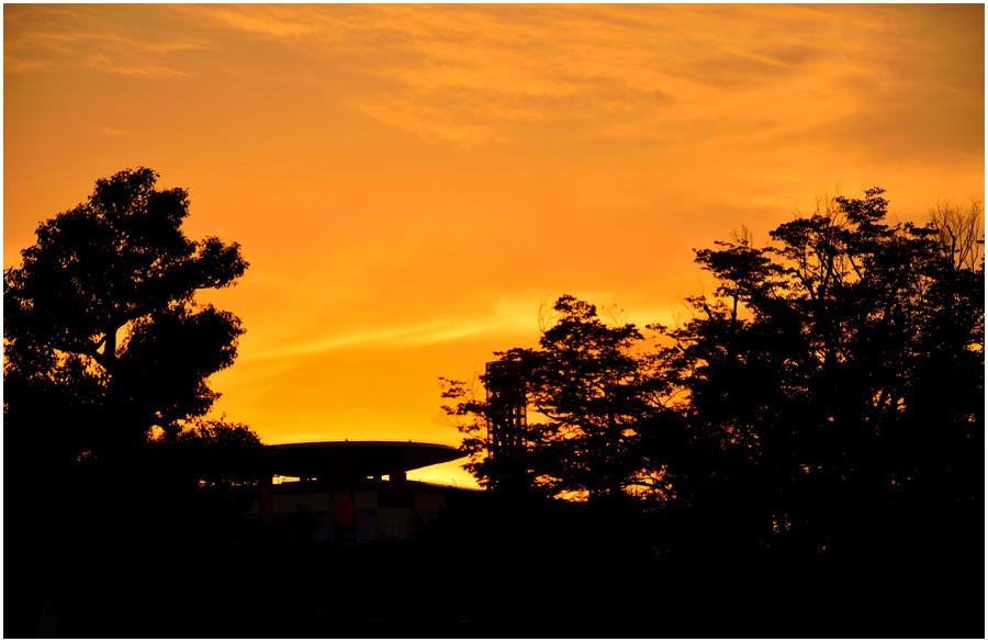 大阪城からの夕景・助手2