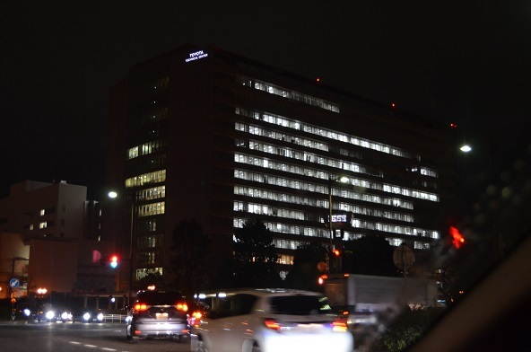 テクニカルセンターの夜