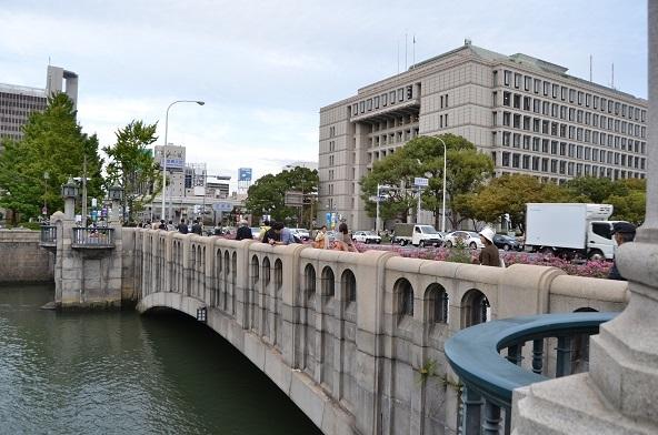 大阪市役所と淀屋橋