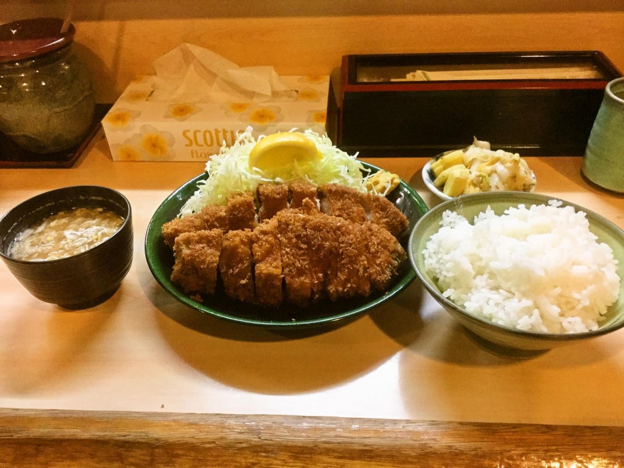 とんかつ春(特ロース定食)