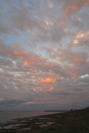 遠くない西の朝焼け11-11-6-55 DSC04974