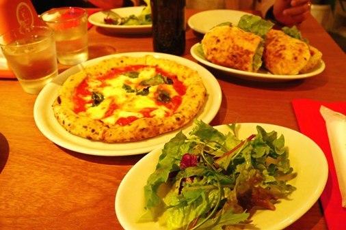 ピザとパン P1060776