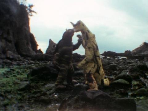 キーラー vs エレキング