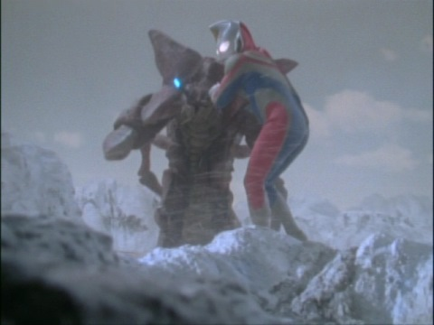 ウルトラマンダイナ(フラッシュタイプ) vs レイキュバス
