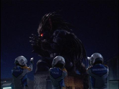 ウルフガスはチームライトニングの細胞気化弾を受けて再びガス化し、宇宙に運び去られた