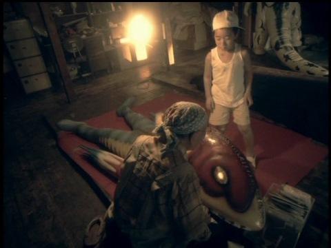 怪獣倉庫内で治療し、匿われていたメトロン星人