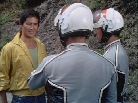 風来坊 モロボシ・ダンが、ウルトラ警備隊の前に登場