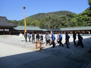 281112津ユネスコ 橿原神宮正式参拝