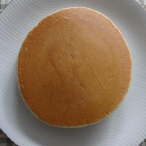 直径13センチ位のパンケーキが5枚出来ました。