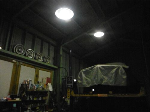 20170204_garage_light.jpg