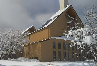 雪の高島公民館2