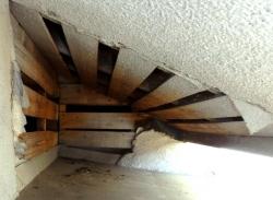 天井裏への通路-4