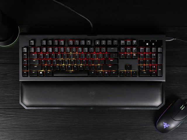 BlackWidow_Chroma_V2_12.jpg