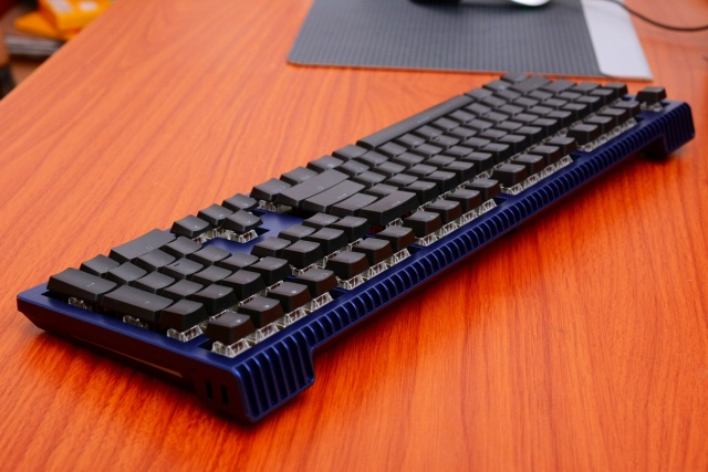 Ducky_Shine_6_Special_Edition_04.jpg
