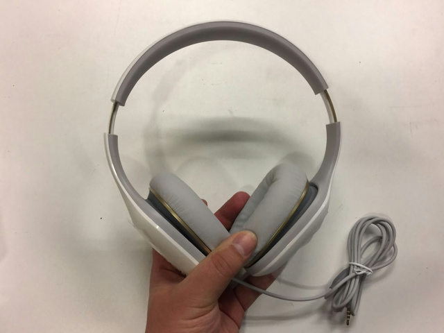 Mi_Headphones_Comfort_04.jpg