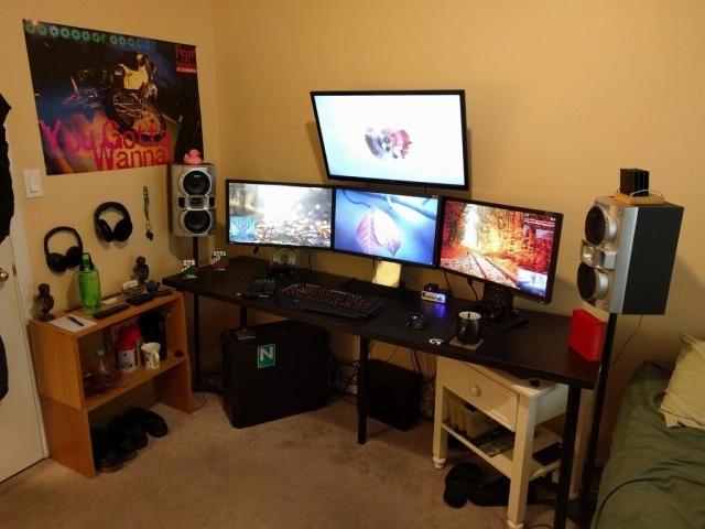 PC_Desk_MultiDisplay79_100.jpg