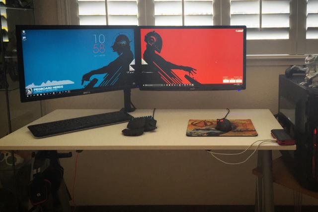 PC_Desk_MultiDisplay79_14.jpg