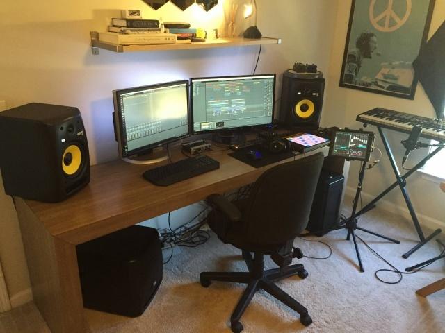 PC_Desk_MultiDisplay79_19.jpg