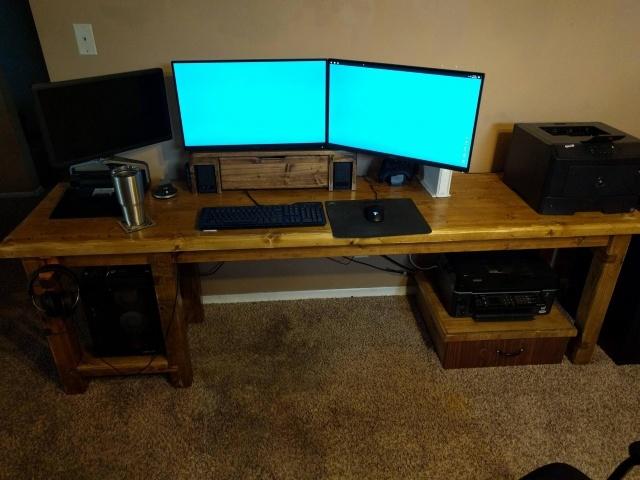 PC_Desk_MultiDisplay79_20.jpg
