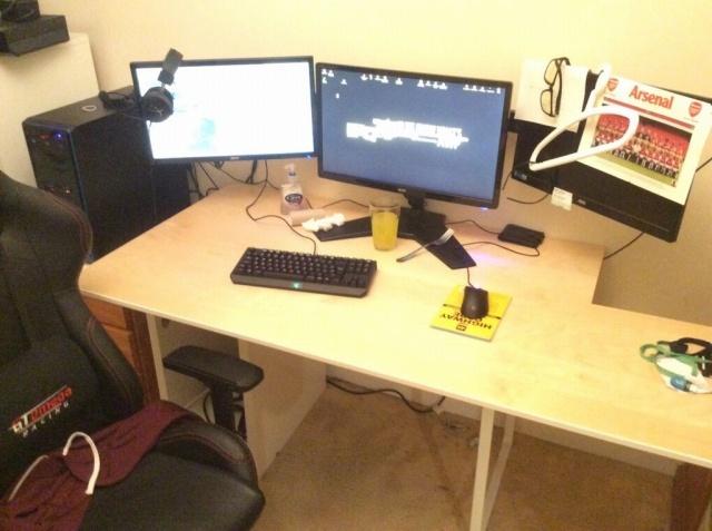 PC_Desk_MultiDisplay79_22.jpg