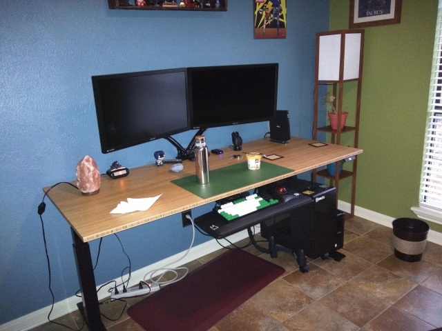 PC_Desk_MultiDisplay79_27.jpg