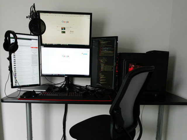 PC_Desk_MultiDisplay79_40.jpg