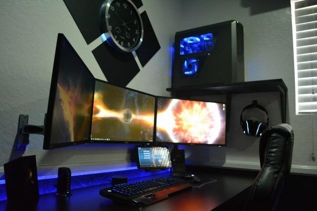 PC_Desk_MultiDisplay79_49.jpg