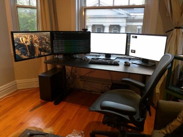 PC_Desk_MultiDisplay79_57_.jpg