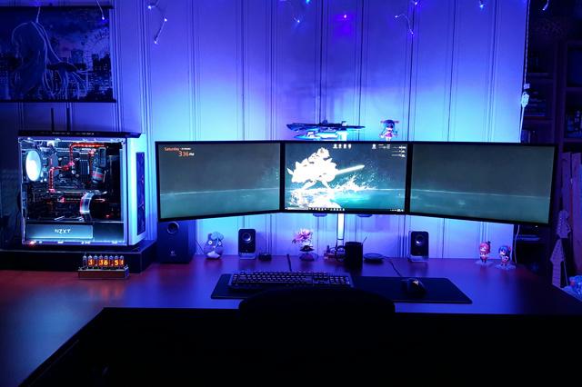 PC_Desk_MultiDisplay79_71.jpg