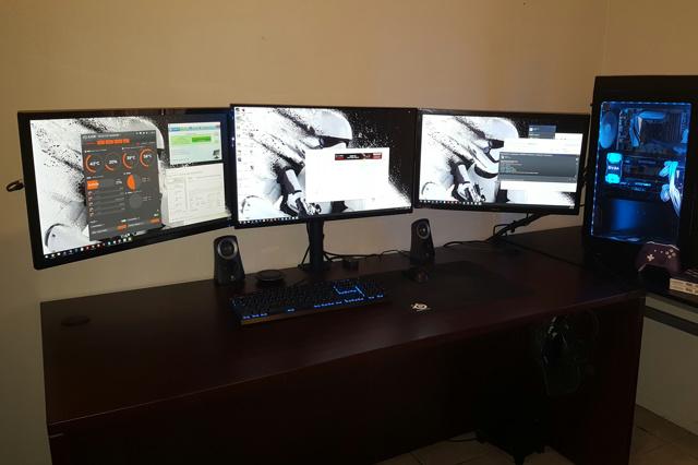 PC_Desk_MultiDisplay79_83.jpg