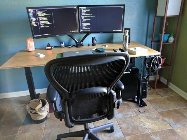 PC_Desk_MultiDisplay79_99.jpg