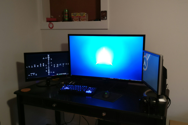 PC_Desk_MultiDisplay80_04.jpg