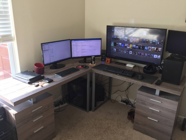 PC_Desk_MultiDisplay80_25.jpg