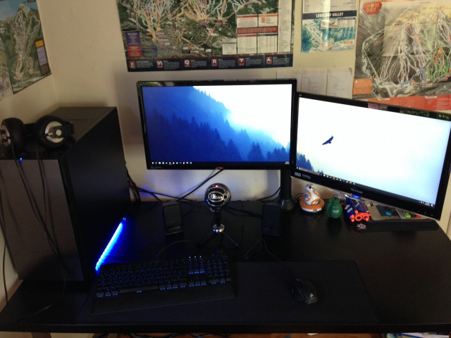 PC_Desk_MultiDisplay81_02.jpg
