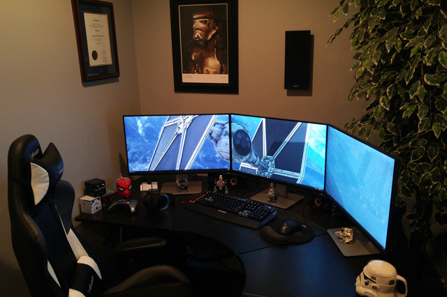 PC_Desk_MultiDisplay81_75.jpg