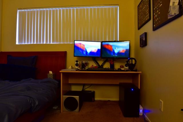 PC_Desk_MultiDisplay85_09.jpg