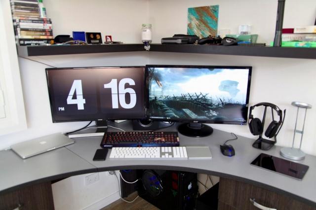 PC_Desk_MultiDisplay85_24.jpg