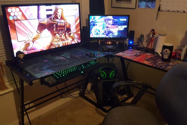 PC_Desk_MultiDisplay85_33.jpg