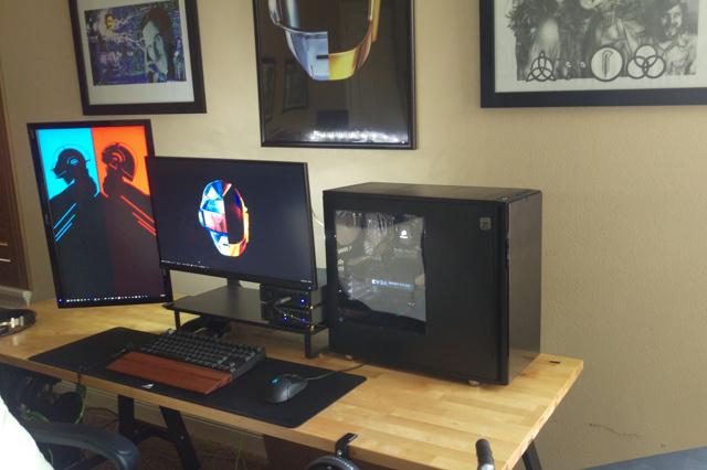 PC_Desk_MultiDisplay85_38.jpg