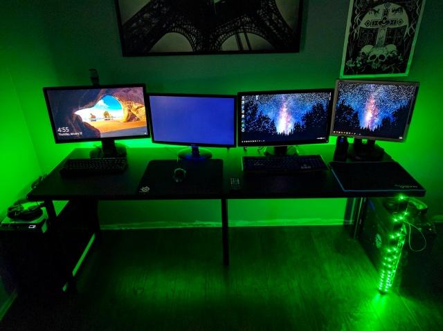 PC_Desk_MultiDisplay85_48.jpg
