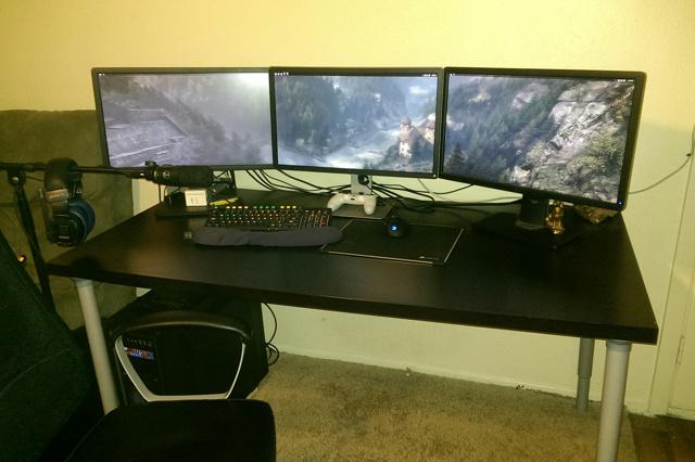 PC_Desk_MultiDisplay85_63.jpg