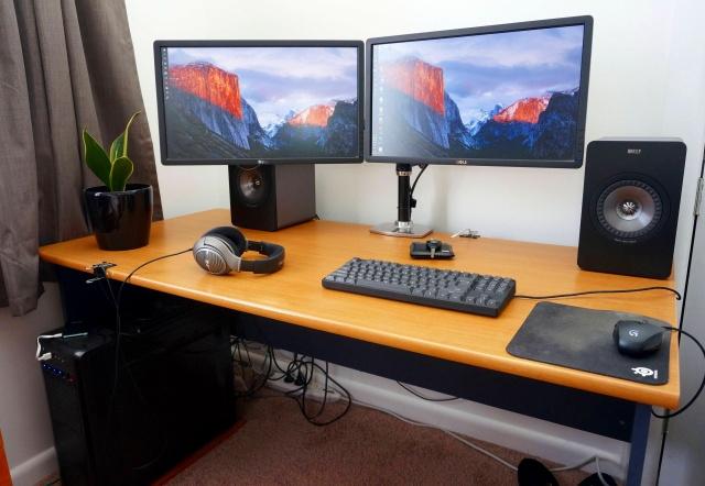 PC_Desk_MultiDisplay85_78.jpg